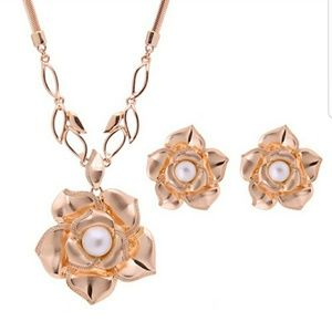 Rose gold Pearl Petal jewelry set